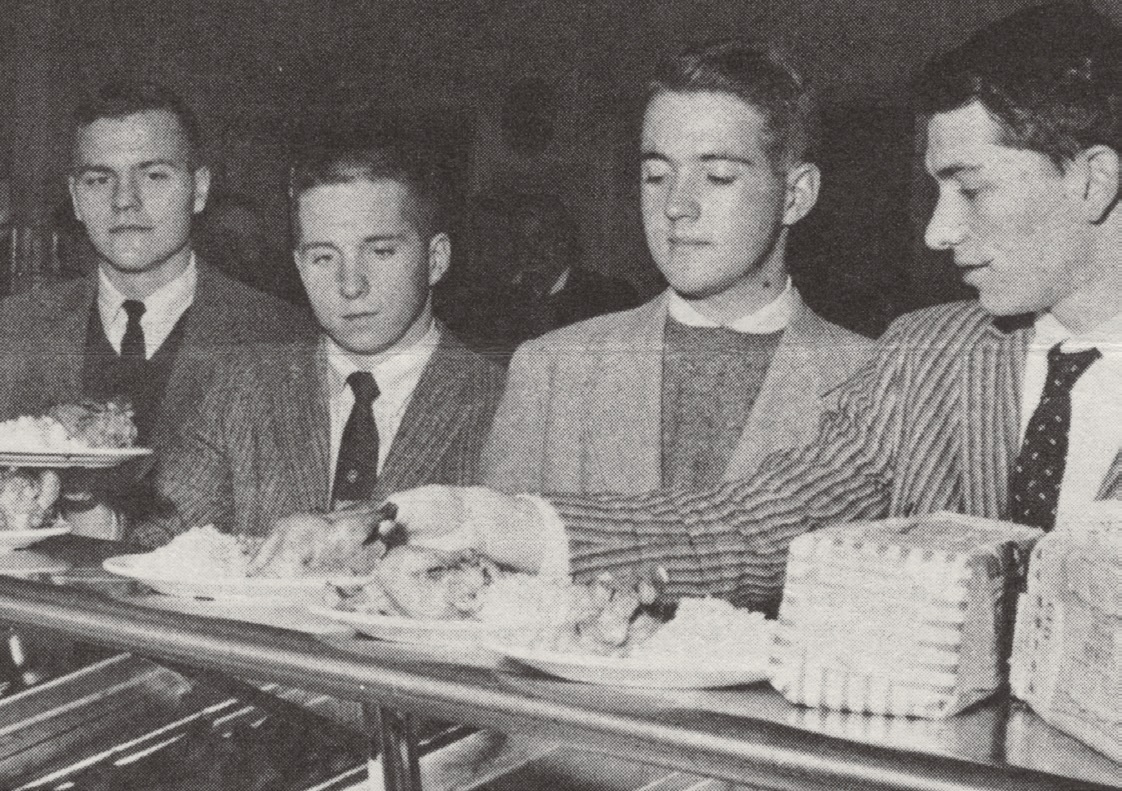 Students in the old days eating together
