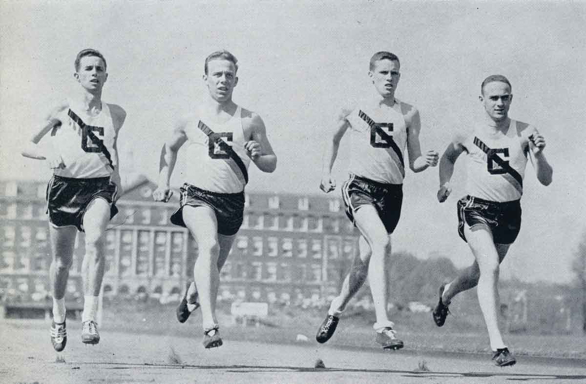 old picture of georgetown runners